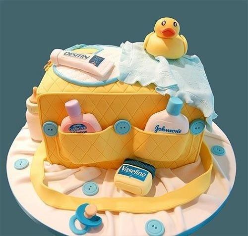 Tarta para Baby Shower con forma de bolsa de pañales