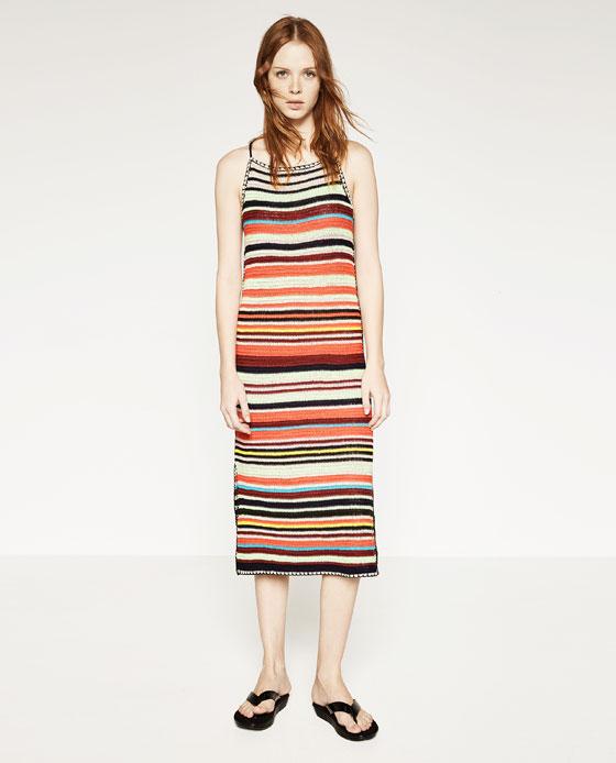 Vestido multicolor de crochet de Zara
