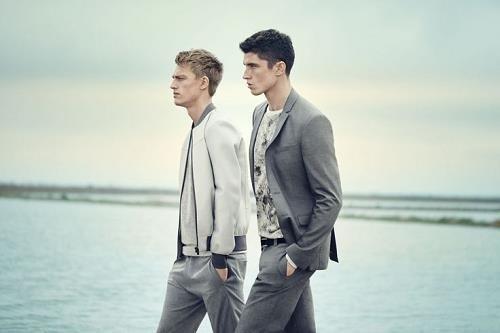 Conjuntos en gris de la nueva temporada Primavera-Verano de Zara
