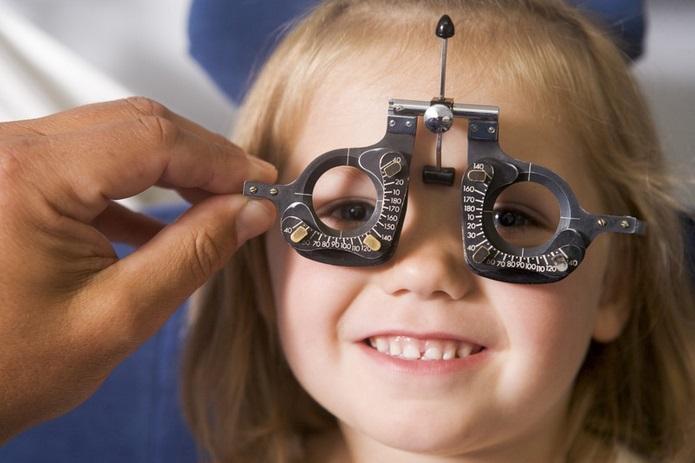 Cómo detectar problemas en la vista de tus hijos