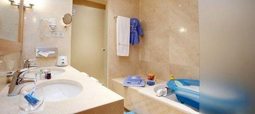 Hotel temático para niños Don Carlos, En Marbella